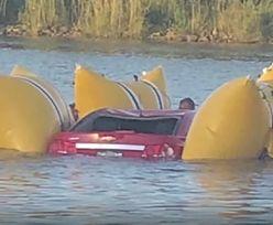 Próbowali przejechać przez otwarty most zwodzony. Dwóch mężczyzn nie żyje