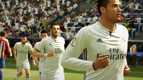 Gamescomowe starcie na piłkarskie zwiastuny wygrywa FIFA 17, ale to w PES-a zagramy prędzej