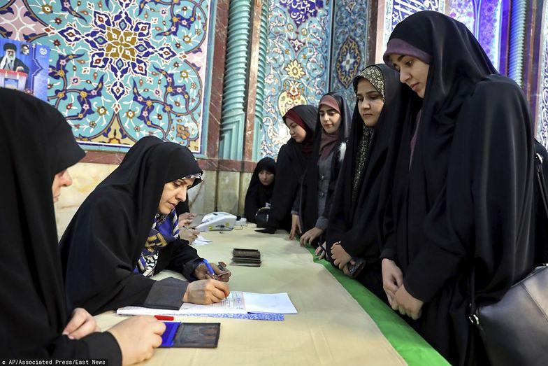 Rząd Iranu obawia się niskiej frekwencji w wyborach parlamentarnych