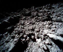 Sonda Hayabusa-2 zbombardowała powierzchnię asteroidy Ryugu. A następnie na niej wylądowała