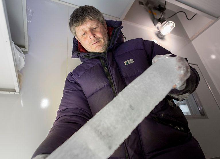Mieli zbadać lód sprzed 22 tys. lat. Wysiadły im lodówki
