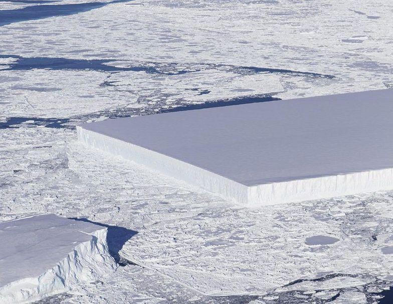 NASA dzieli się zdjęciem idealnie prostokątnej góry lodowej na Antarktydzie