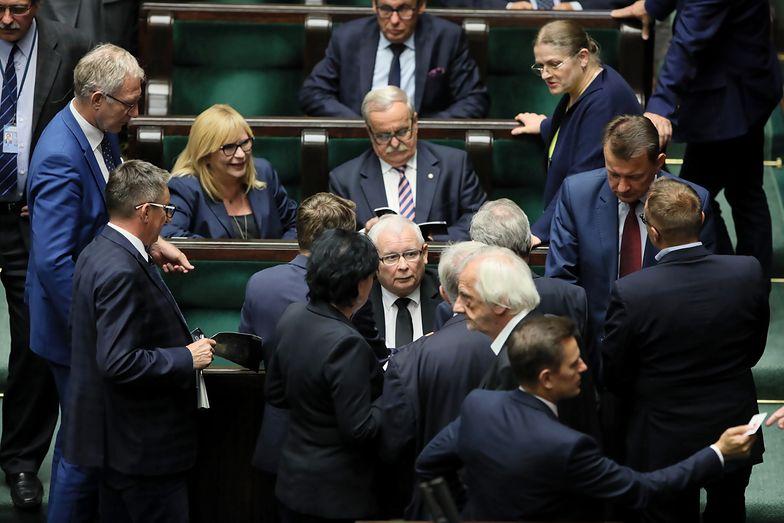 Sondaż. Polacy nie wierzą w przedterminowe wybory