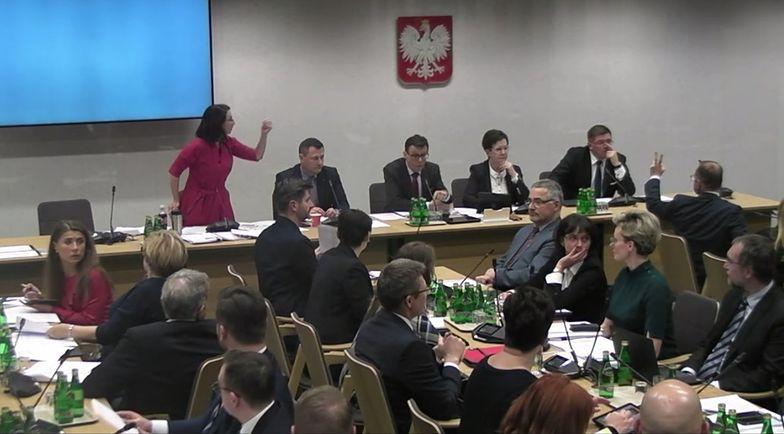 Komisja Sprawiedliwości podczas posiedzenia ws. ustawy PiS