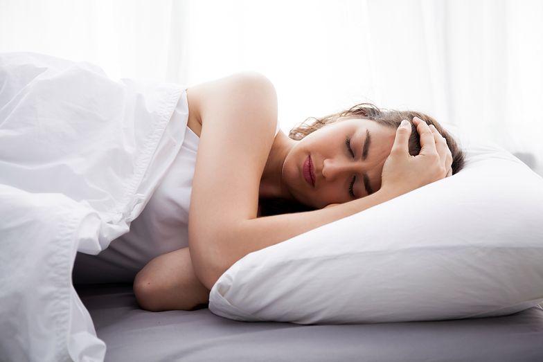 Masz problemy ze snem? Ta piżama ci pomoże