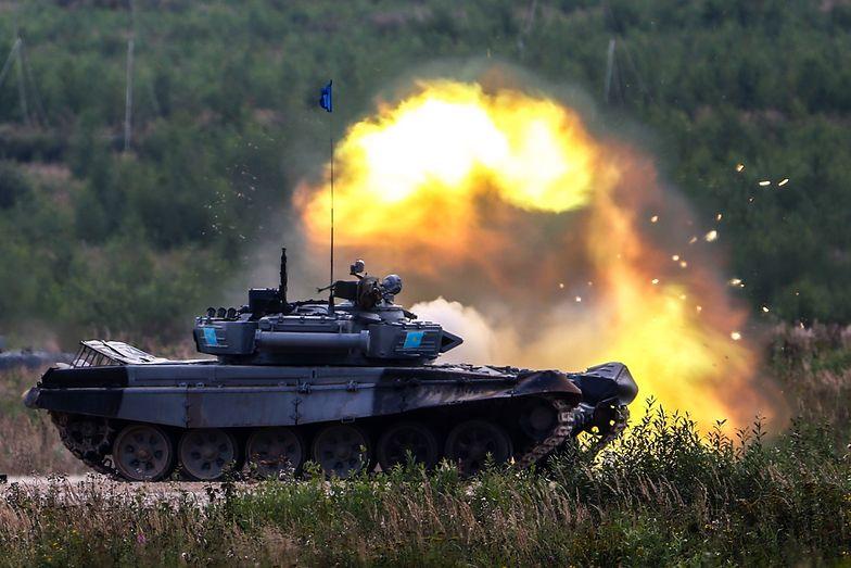 T-72 zmodernizowała też rosyjska armia. Tyle że tam wymieniono armaty, systemy obronne i inne ważne elementy unowocześniające ten sprzęt.