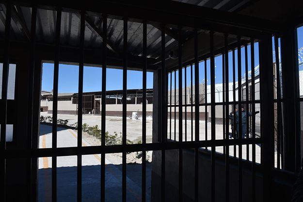 Pentagon opublikował zdjęcia torturowanych więźniów z Iraku