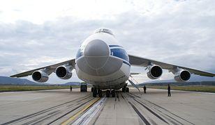Jeden z największych samolotów świata wylądował w Warszawie - An-124