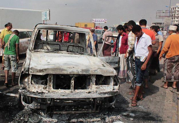 Zniszczenia po starciach Al-Kaidy i sił rządowych popieranych przez koalicję pod wodzą Saudyjczyków; Aden, 9 luty 2016 r.