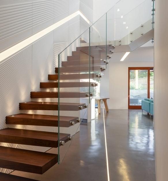 Balkon W Domu Jednorodzinnym: Niezwykłe Pomysły Na Schody