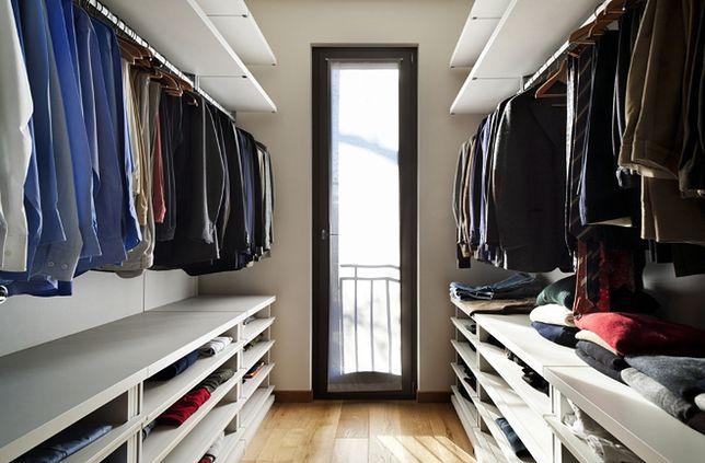 Garderoba czy duża szafa? Bądź jak Carrie Bradshaw