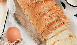 Domowy chleb tostowy z serem