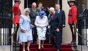 Gubernator Kanady złamał protokół królewski! Co zrobił podczas spotkania z królową Elżbietą?