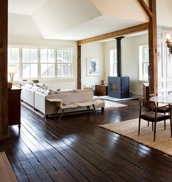 Ciemna czy jasna podłoga? Na rzecz przestrzeni  WP Dom -> Biala Kuchnia A Podloga