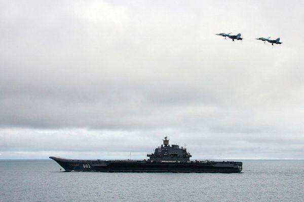 """""""Admirał Kuzniecow""""; zdjęcie z 2005 r."""