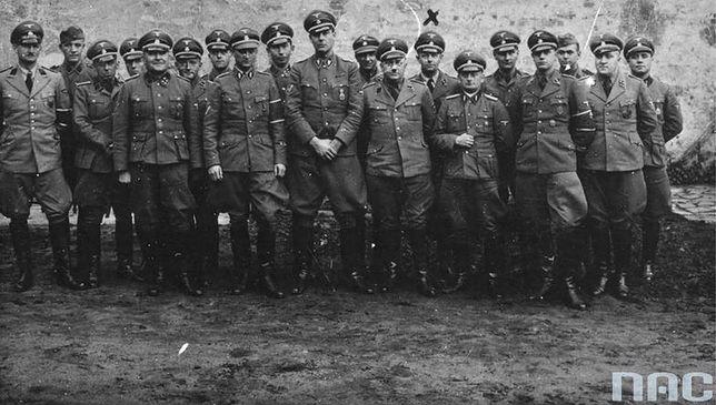 Funkcjonariusze gestapo w okupowanej Polsce