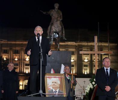 Jarosław Kaczyński, prezes PiS, przemawia podczas wrześniowej miesięcznicy smoleńskiej.