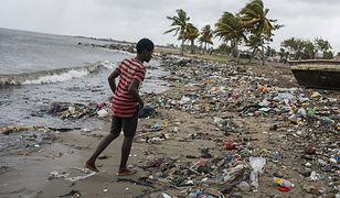 Według oceny miejscowych władz zniszczeniu uległo 95 proc. zabudowań na Sint Maarten.