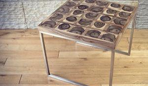 Wyposażenie salonu: niezwykłe stoliki kawowe