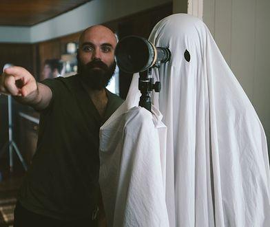 """David Lowery, reżyser """"A Ghost Story"""". Wywiad z ateistą, który nakręcił prawdopodobnie najlepszy film o duchach wszech czasów"""