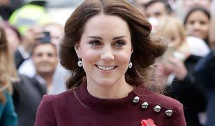 Księżna Kate stawia na mini i uruchamia swoją tajną broń przeciwko paparazzi