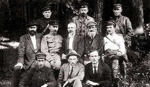 Tymczasowy Komitet Rewolucyjny Polski miał stanowić podstawę bolszewickich władz w Polsce, po opanowaniu kraju przez komunistów. W środkowym rzędzie, drugi od lewej Feliks Dzierżyński
