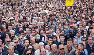 W ciągu roku odsetek ludzi nieszczęśliwych wzrósł z 28 do 51%