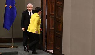 Beata Szydło i Jarosław Kaczyński w drodze na spotkanie u prezydenta Andrzeja Dudy, na kilkanaście godzin przed decyzją o dymisji.
