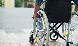 W wypadku uległ paraliżowi. Na własnym ślubie nagle… stanął na nogi