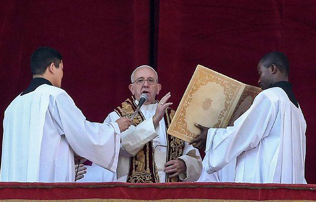 Papież przekazał świąteczne błogosławieństwo Urbi et Orbi