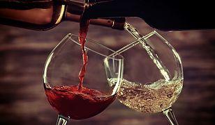 Trik, który zmienia tanie wino w drogie
