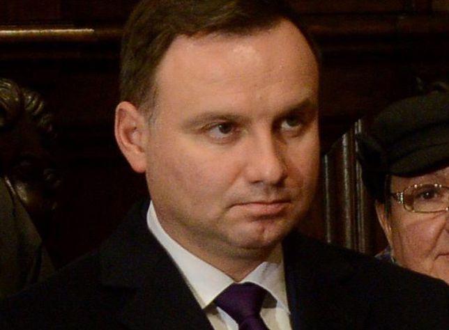Prezydent Andrzej Duda podczas mszy w intencji ofiar katastrofy smoleńskiej