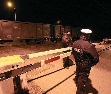 Wagony przejeżdżały przez dworzec kolejowy w Nysie, przecinały też skrzyżowania (zdj. ilustr.)