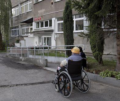 Gminy mają decydować o możliwości zwolnienia lub nie z opłat za pobyt w domu pomocy