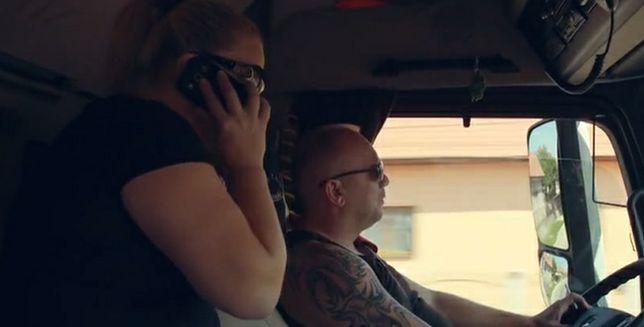 Większość roku spędzają w ciężarówce. Jak wygląda małżeństwo truckersów?