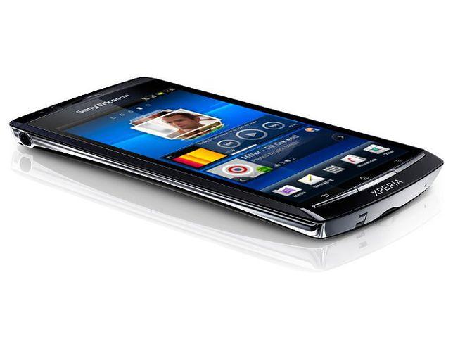 Promocje na smartfony i nowy router LTE z Wi-Fi w Plusie