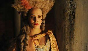 """""""Harlots"""": Lady Sybil i wojny prostytutek. Takiego Londynu nie widzieliście"""