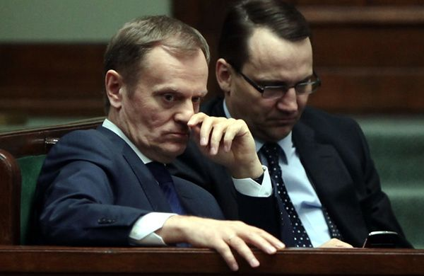 Premier Donald Tusk i minister Radosław Sikorski