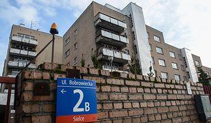 Budynek mieszkalny przy ul. Bobrowieckiej 2B w Warszawie