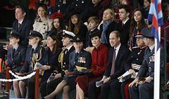 Księżna Kate po raz kolejny w czerwonym płaszczu marki Bennett