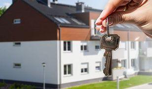 Rynek nieruchomości w Polsce. Coraz więcej mieszkań kupowanych za gotówkę
