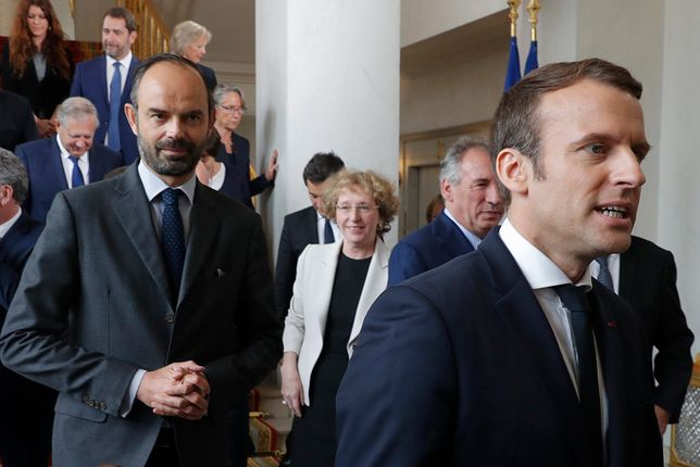 Francja: rząd podał się do dymisji. Wiadomo, kto stworzy nowy