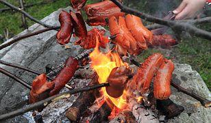 Smakołyki z ogniska. Pyszna konkurencja dla grilla