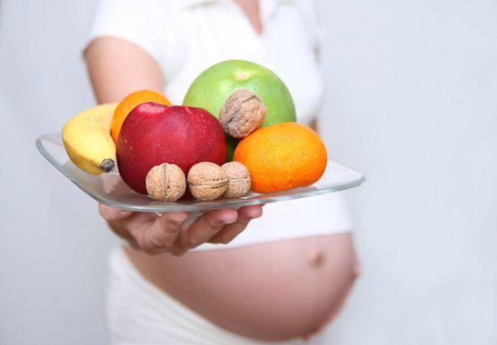 Czego nie może jeść kobieta w ciąży?
