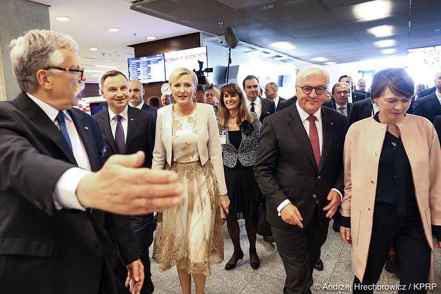 """Wizyta Andrzeja Dudy na targach książki zakłócona. Okrzyki """"konstytucja"""""""