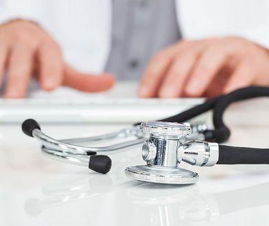 Lekarka i pacjenci oskarżeni o korupcję