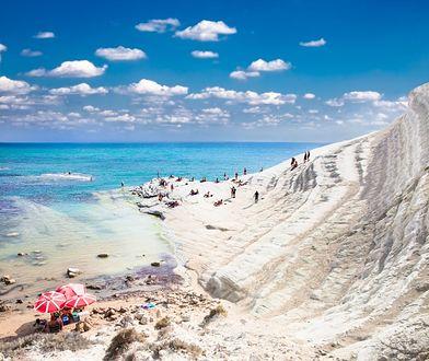 Sycylijskie plaże przyciągają zwłaszcza od maja do października