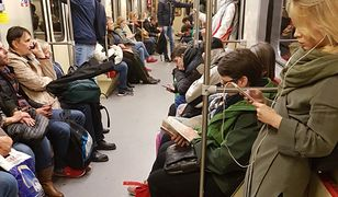 Obcokrajowcy oszaleli na punkcie zdjęcia z polskiego metra. Zauważyliście coś niezwykłego?