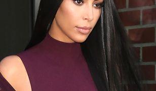 Kim Kardashian zalicza wpadkę! Blask fleszy był bezlitosny!