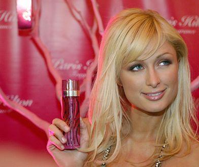 Paris Hilton na promocji swojego zapachu w 2005 r.